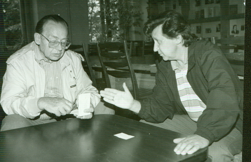 V. Bagdonavičius ir Čikagos Vydūno fondo pirmininkas Vytautas Mikūnas, 1992 m. | Vydūno fondo nuotr.