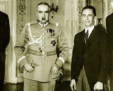 Bundesarchiv_Bild_183-B0527-0001-293_Warschau_Empfang_Goebbels_bei_Marschall_Pilsudski_wikipedia_org_nuotr-e1507485091959.jpg
