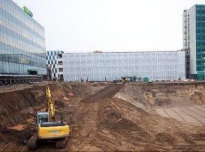 Diskutuoti dėl Kauno Vienybės aikštės vizijos investuotojai sukruto tik pradėję jos įrengimodarbus | PILOTAS.LT