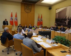 PLB posedis Seime.Tribūnoje – V. Alekna. lrs.lt_nuotr. J. Šedauskienė