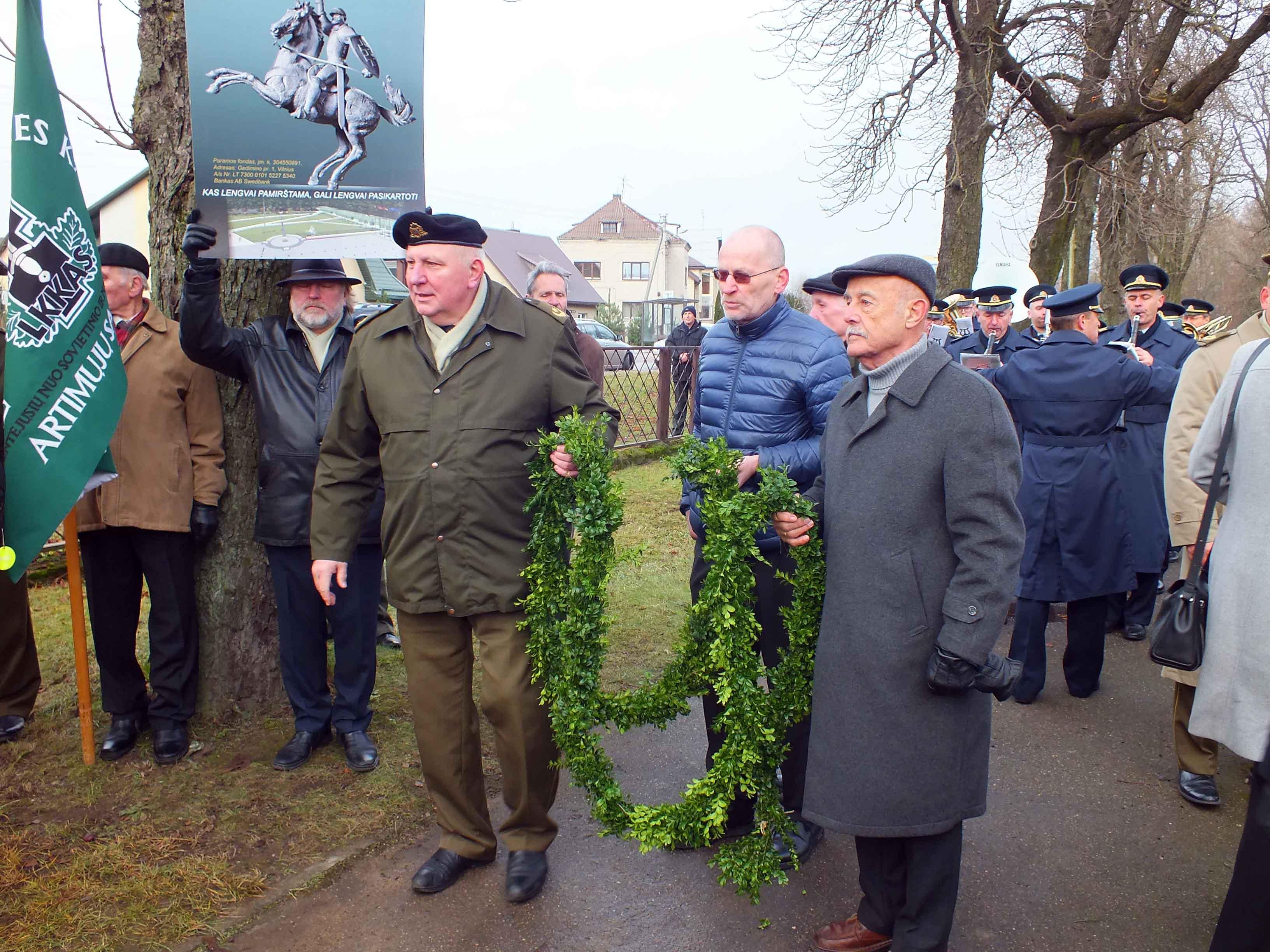 Iš kairės: dim. mjr. G. Reutas, S. Pūtvis ir V. Zabielskas | P. Šimkavičiaus nuotr.