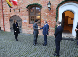 Ambasadorius Raudondvaryje rado prancūziškų pėdsakų | Kauno rajono savivaldybės nuotr.