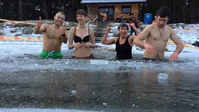 Sveikuoliai kviečia Naujuosius pasitikti ledinėmis maudynėmis | Sveikuoliai.lt nuotr.