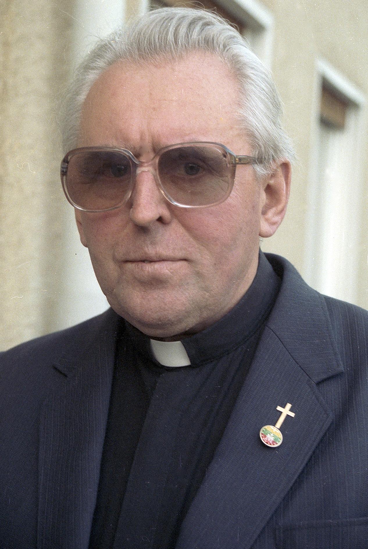 Monsinjoras A. Svarinskas Ulme, Vokietijoje, 1989 m. lapkričio 21 d. | Z. Kazėno nuotr.