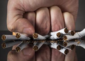 Ledinio iššūkio dalyvis pareiškia: metu rūkyti | news.fraserhealth.ca nuotr.