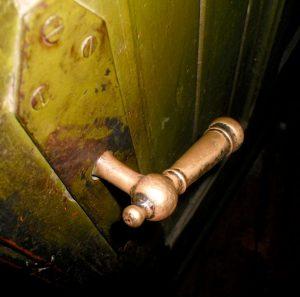 Rytų priebučio durų vidinė furnitūra | A. Stabrausko nuotr.