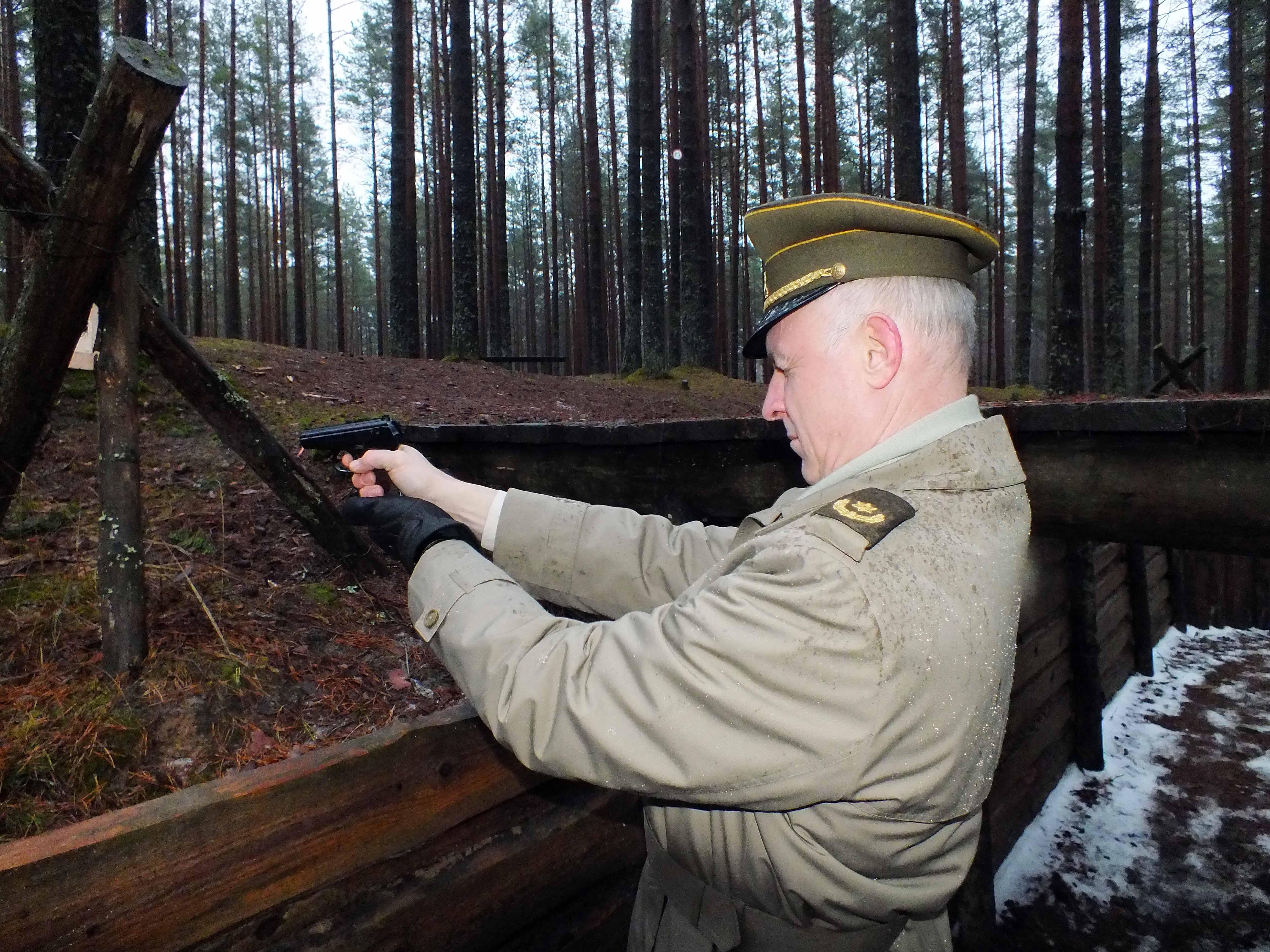 Šaudymo pratybose | P. Šimkavičiaus nuotr.
