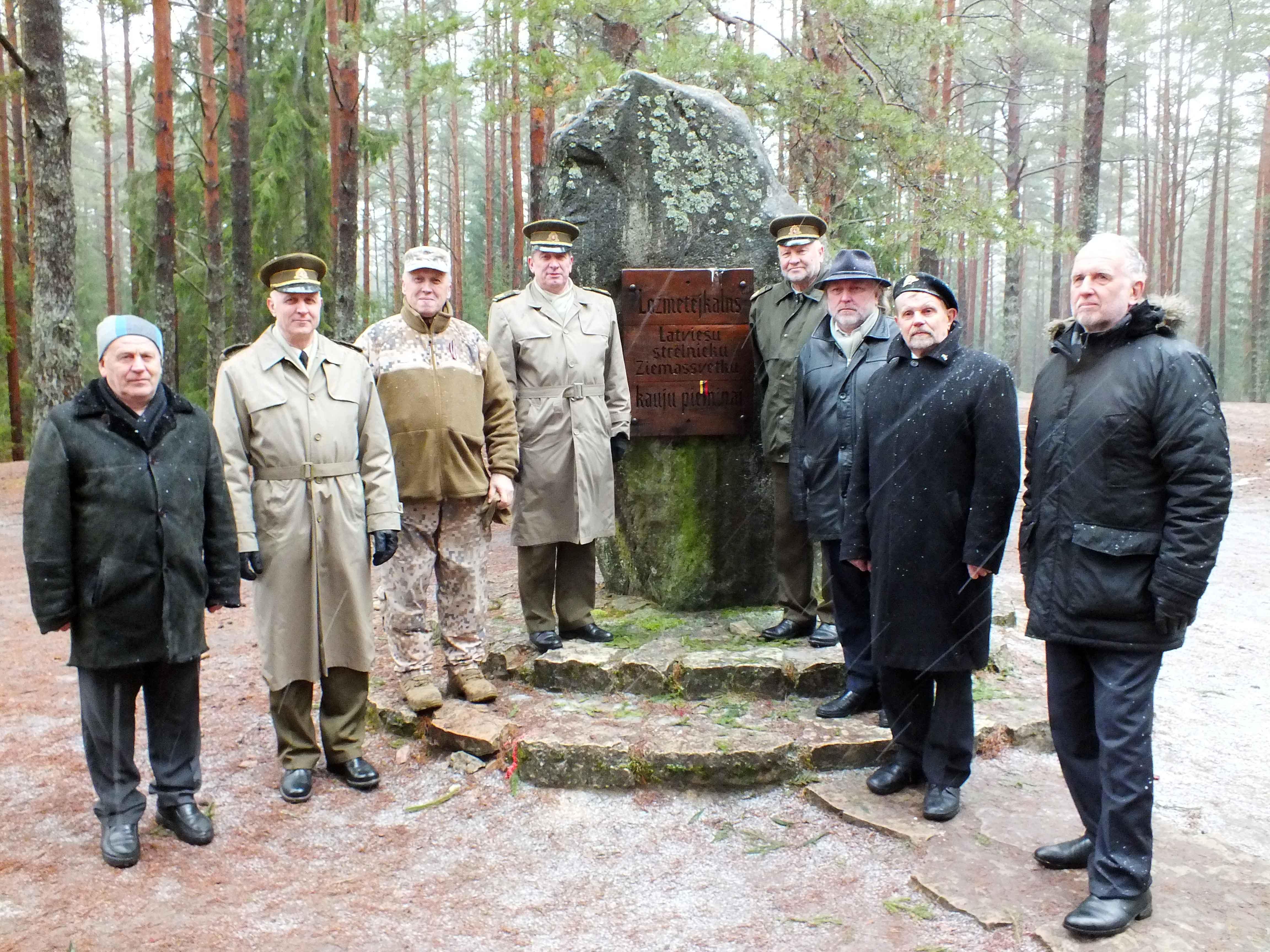 Prie atminimo akmens Latvijos šauliams atminti, Kulkosvaidininkų kalva | P. Šimkavičiaus nuotr.