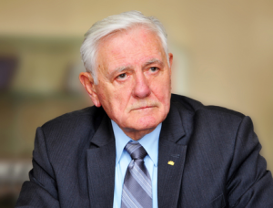 VDU Atkuriamojo Senato narys, prezidentas V. Adamkus | VDU nuotr.