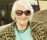 """Šimtametė Elena stebina gyvenimo džiaugsmu ir kitiems pataria, kaip su energija sulaukti 100 metų   """"Eurovaistinės"""" nuotr."""