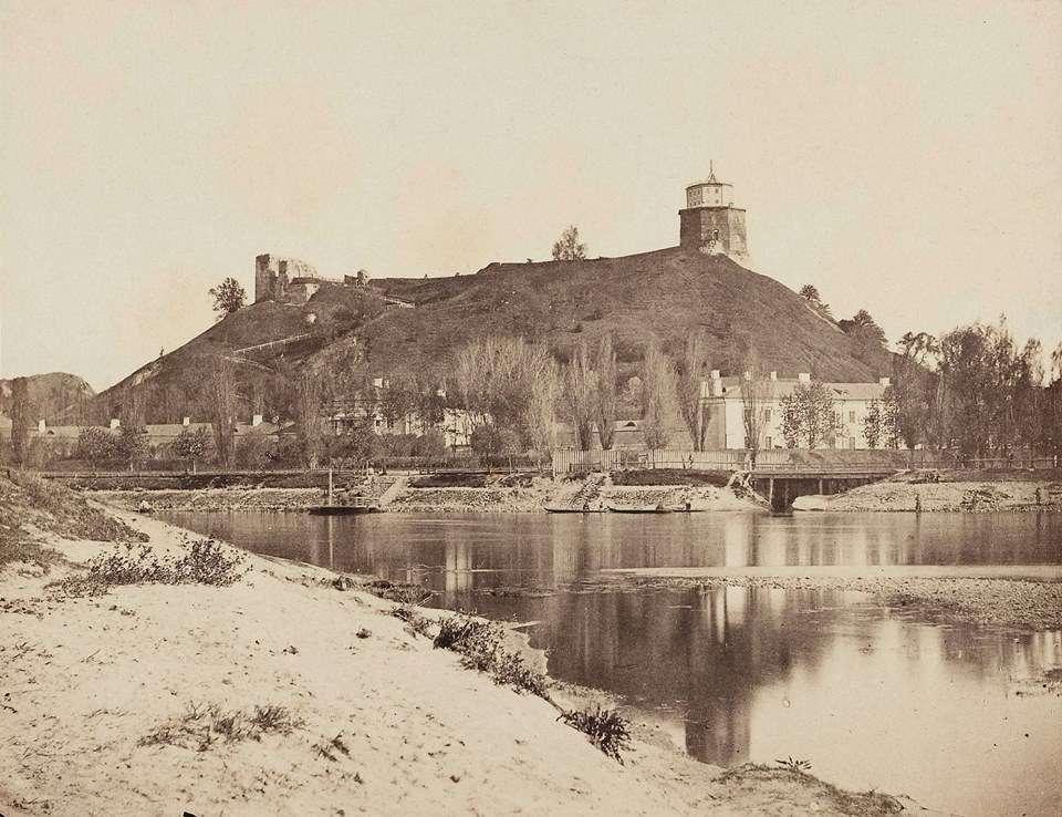 13 pav. Vilniaus pilies kalnas (Abdon Korzun nuotr., apie 1860 m. | Madeinvilnius.com nuotr.