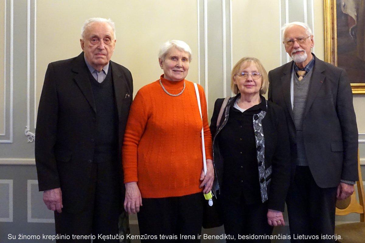 Su žinomo krepšinio trenerio Kęstučio Kemzūros tėvais Irena ir Benediktu (karėje) | Rengėjų nuotr.