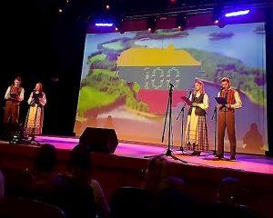 """Mokinių dainų šventė """"Dainos iš tremties""""   jotvingiai.alytus.lm.lt nuotr."""