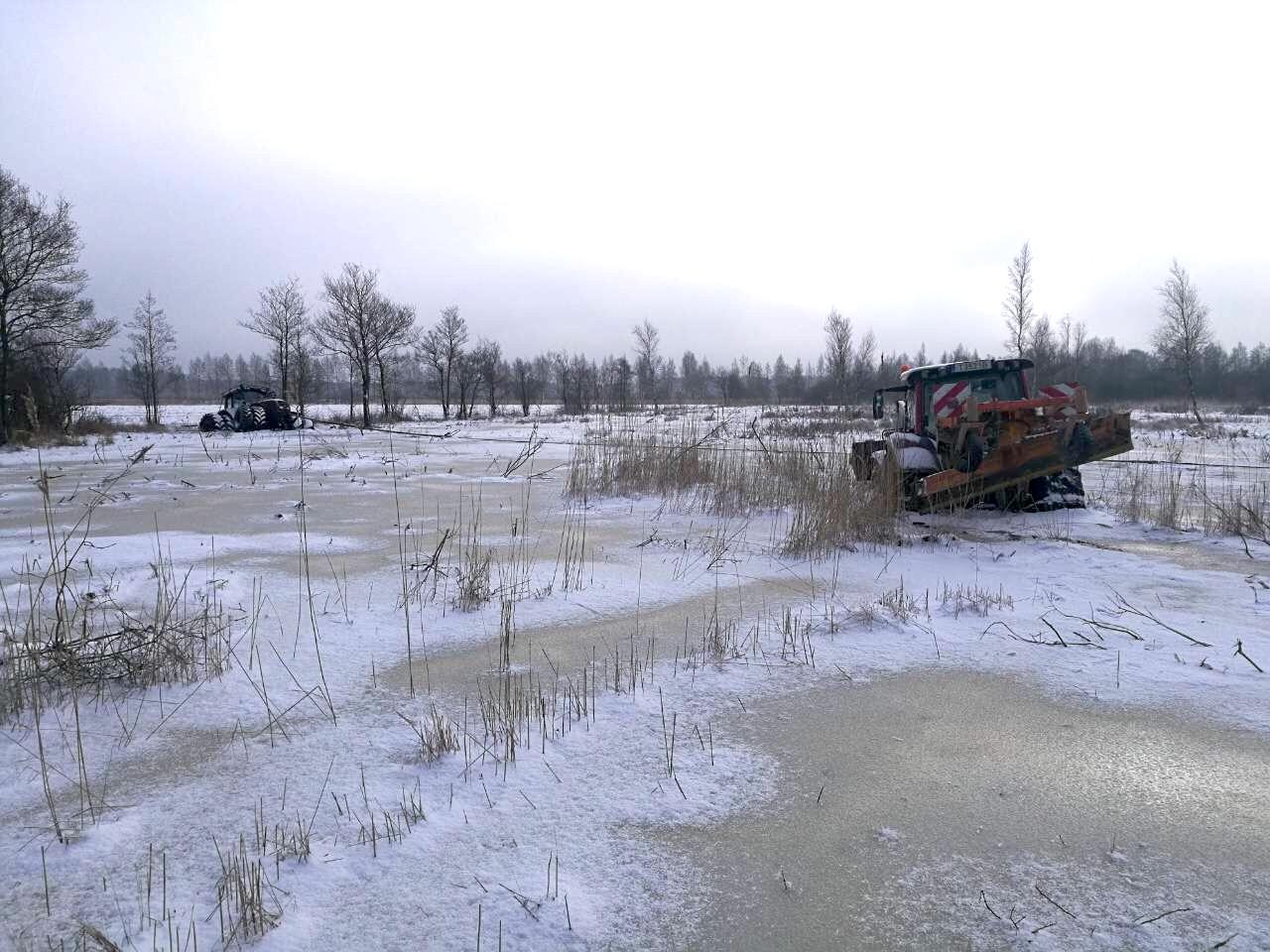 Įlūžę traktoriai Kliošių draustinyje | Baltijos aplinkos forumo nuotr.