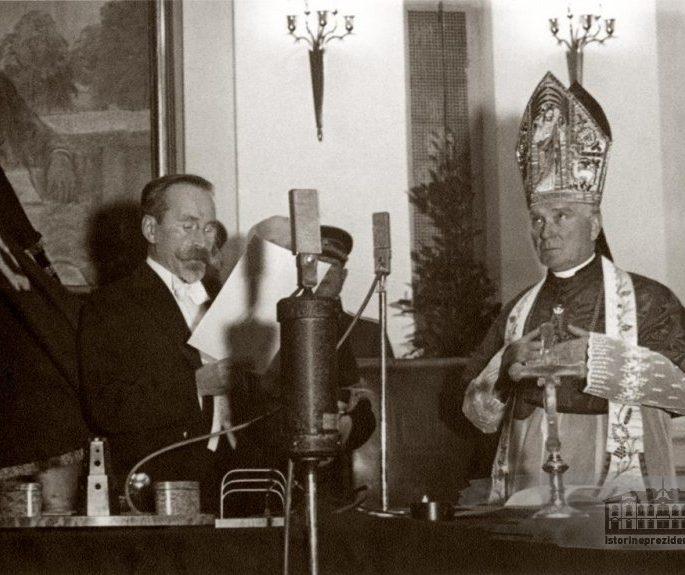 Lygiai prieš 99 metus prisiekė pirmasis Lietuvos Prezidentas