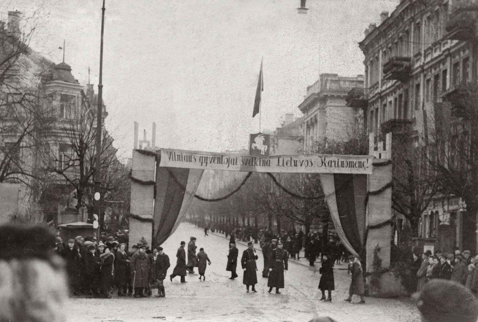 Julius Miežlaiškis. Gedimino prospektas. Vilnius | V. Juraičio archyvo nuotr.