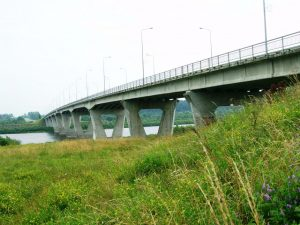 Tiltas per Nemuną Jurbarko rajone | Wikipedia.com nuotr.