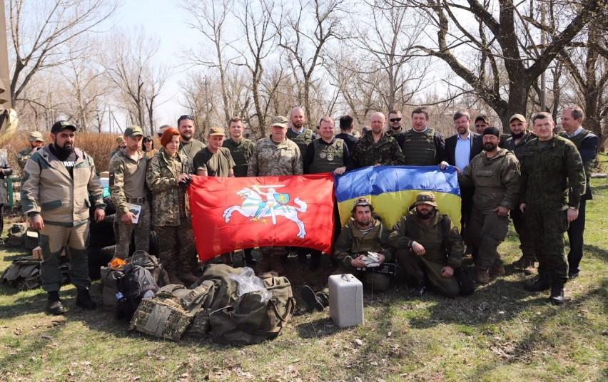 Premjeras S. Skvernelis kartu su Donecko srities karinės-civilinės administracijos vadovu Pavlo Žebrivskij apsilankė Avdijivkos mieste | lrv.lt nuotr.
