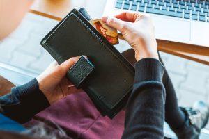 Kas dešimtas atsiskaitymas kortele – bekontaktis, metų pabaigoje bus kas penktas | Pixabay nuotr.