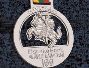 Vilniaus maratono medalis su Vyčiu | Augusto Didžgalvio nuotr.