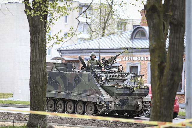Kariuomenės ir visuomenės šventėje – dvi skirtingų laikmečių karinės operacijos | I. Budzeikaitės nuotr.