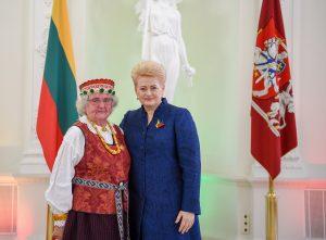 Prezidentūroje apdovanota Dainavos apygardos partizanų ryšininkė ir rėmėja, tremtinė Ona Veličkaitė-Mėta | lrp.lt nuotr.