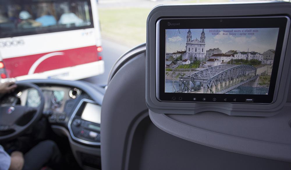 """Liepos 6-osios proga estų bendrovė Vilniaus gyventojams padovanojo kelionę laiku   Estijos tarptautinių keleivių pervežimo kompanija """"Lux Express"""" nuotr."""