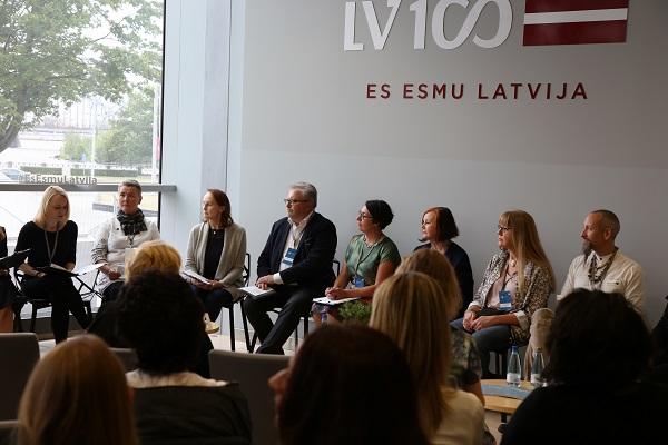 Paroda Rygoje spaudos konferencija | Panevėžio miesto dailės galerijos nuotr.