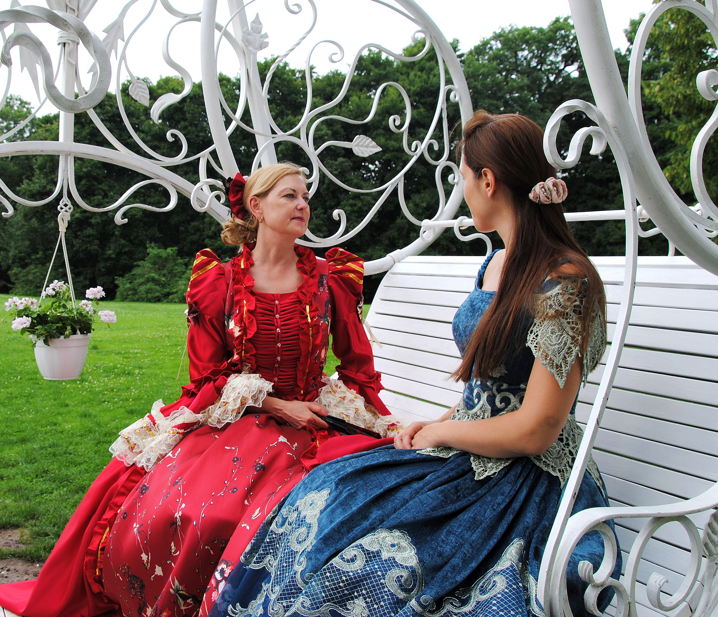 Spalvingi grafienės Rozalijos pasakojimai yra patraukus būdas perteikti turistams Raudondvario dvaro istoriją | Kauno rajono savivaldybės nuotr.