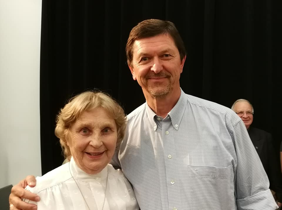 Sesė Nijolė Sadūnaitė ir Adolfo Damušio demokratijos studijų centro vadovas Vidmantas Valiušaitis | Rengėjų nuotr.
