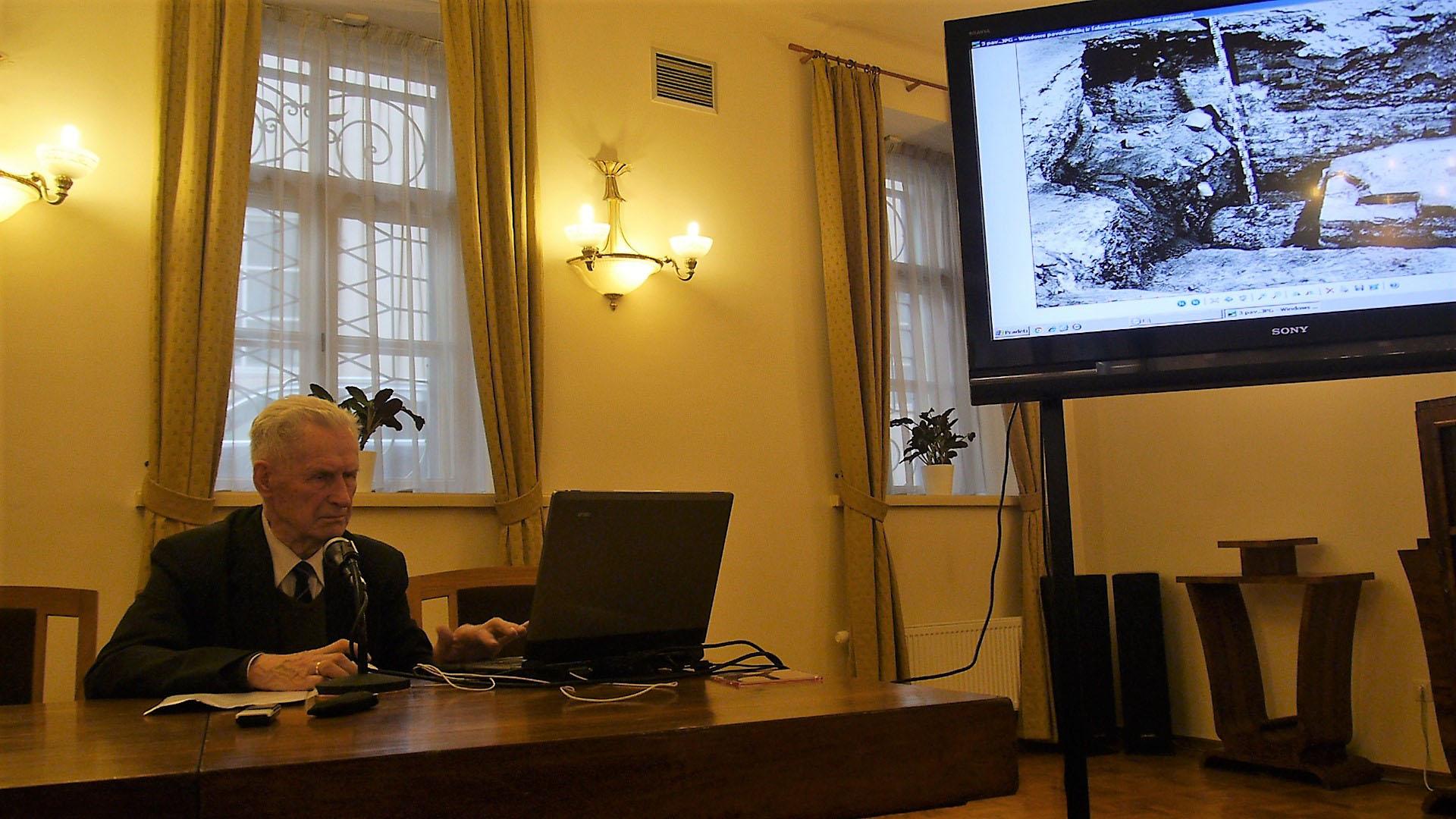 dr. Napoleono Kitkausko paskaita Signatarų namuose apie Katedros tyrinėjimus 2017-03-11 d. | Alkas.lt, J. Vaiškūno nuotr.