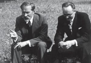 Prezidentas Antanas Smetona Užugiryje su broliu. Ukmergės apskritis. 1938 m. | Nuotr. autorius nežinomas. LCVA
