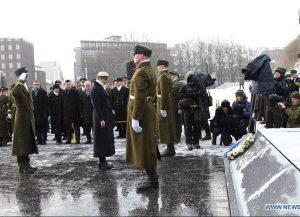 Estijos Prezidentė pagerbia žuvusiųjų už Tėvynę atminimą prie Nepriklausomybės monumento | wikipedia.org nuotr.