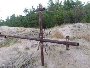Kritęs Sajūdžio kryžius Melnragėje | J. Zvonkuvienės nuotr.