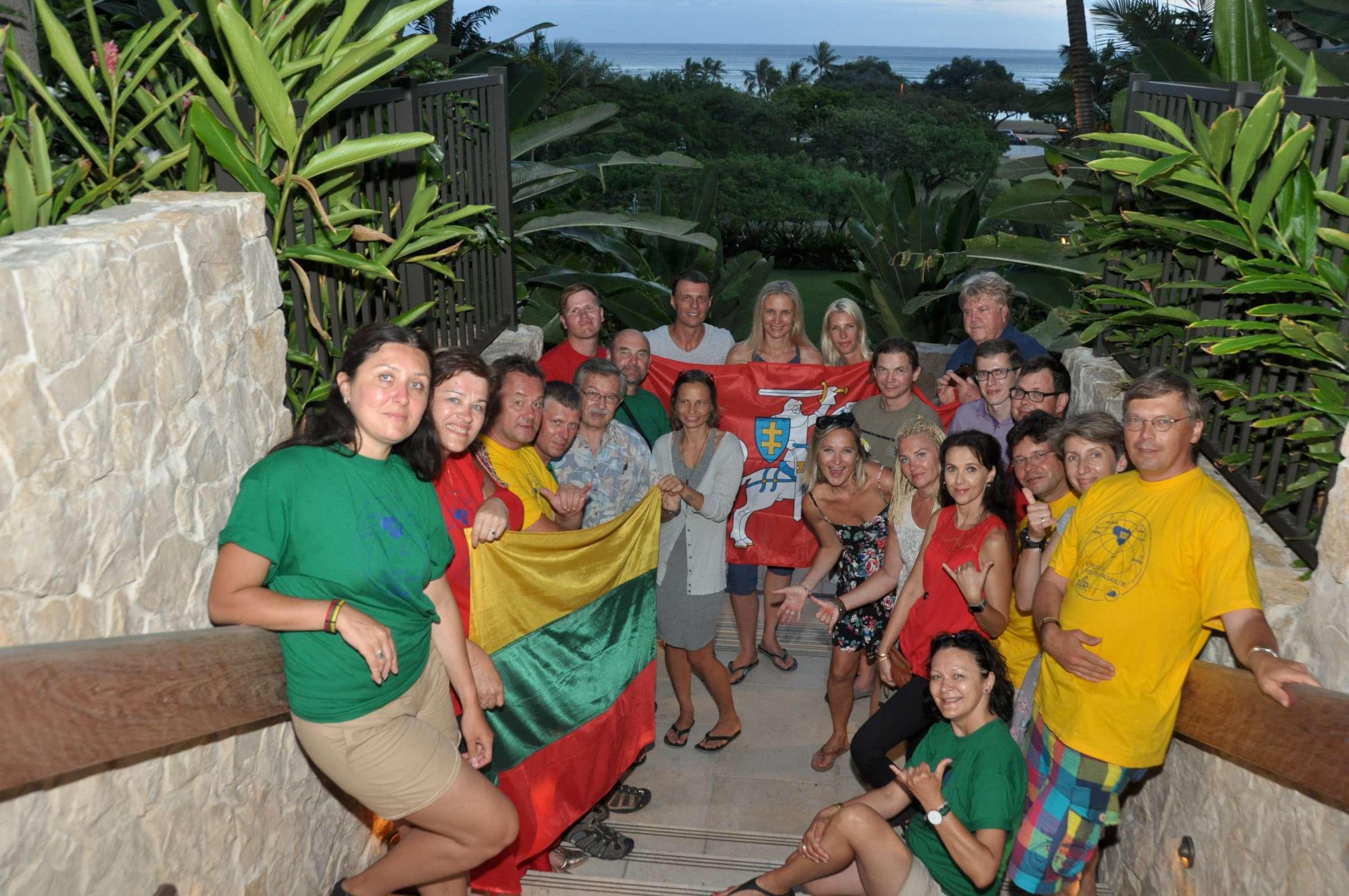 Ekspedicijos dalyviai su lietuviu bendruoene Havajuose-2400