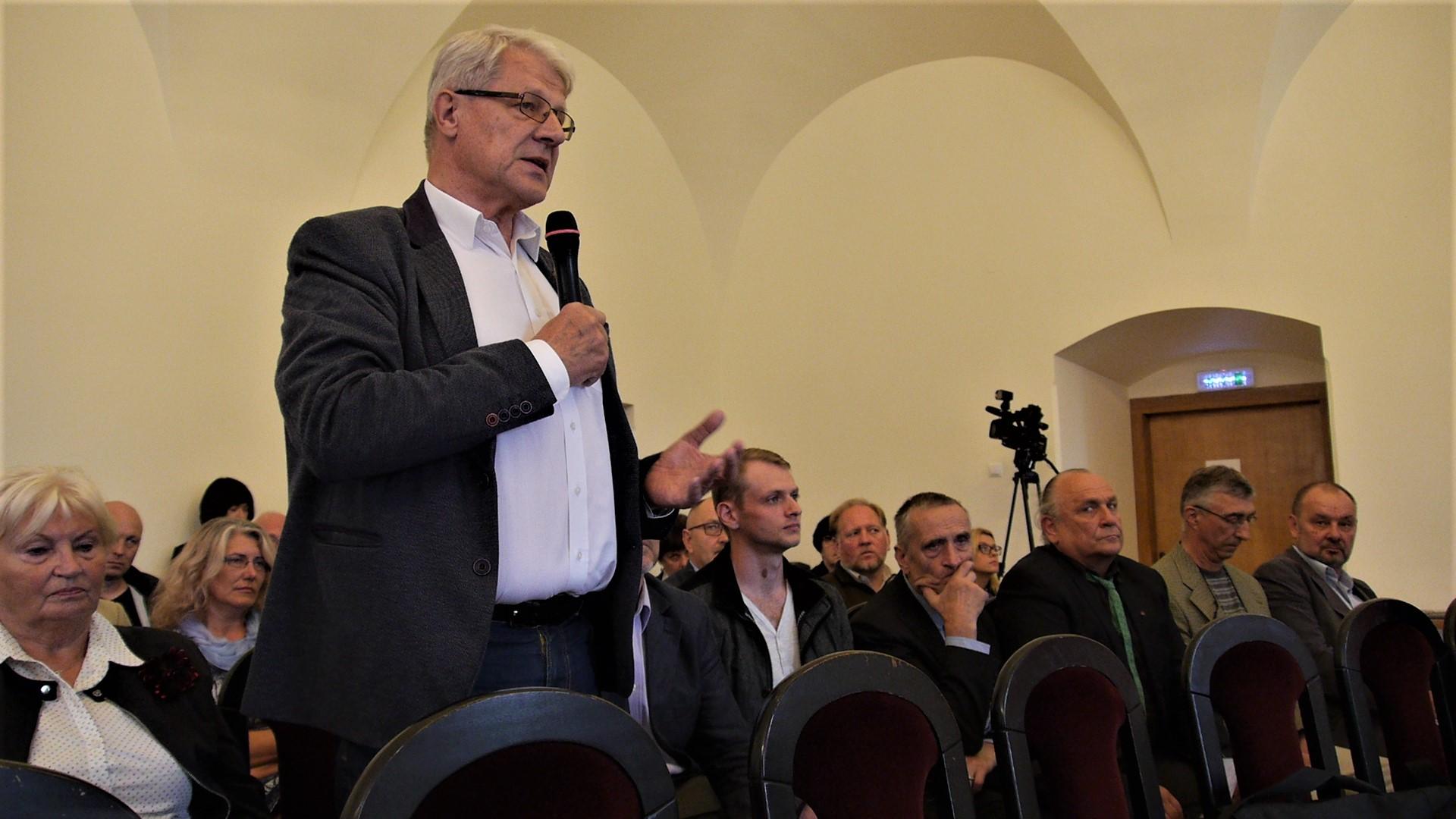 Arvydas Juozaitis Biržų pilyje paskelbė apie apsisprendimą kandidatuoti į Prezidento postą | Alkas.lt, J.Vaiškūno nuotr.