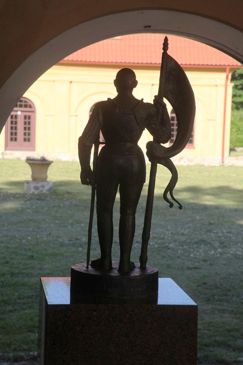 Liubavas A. Goštauto skulptūra | G. Karoso nuotr.