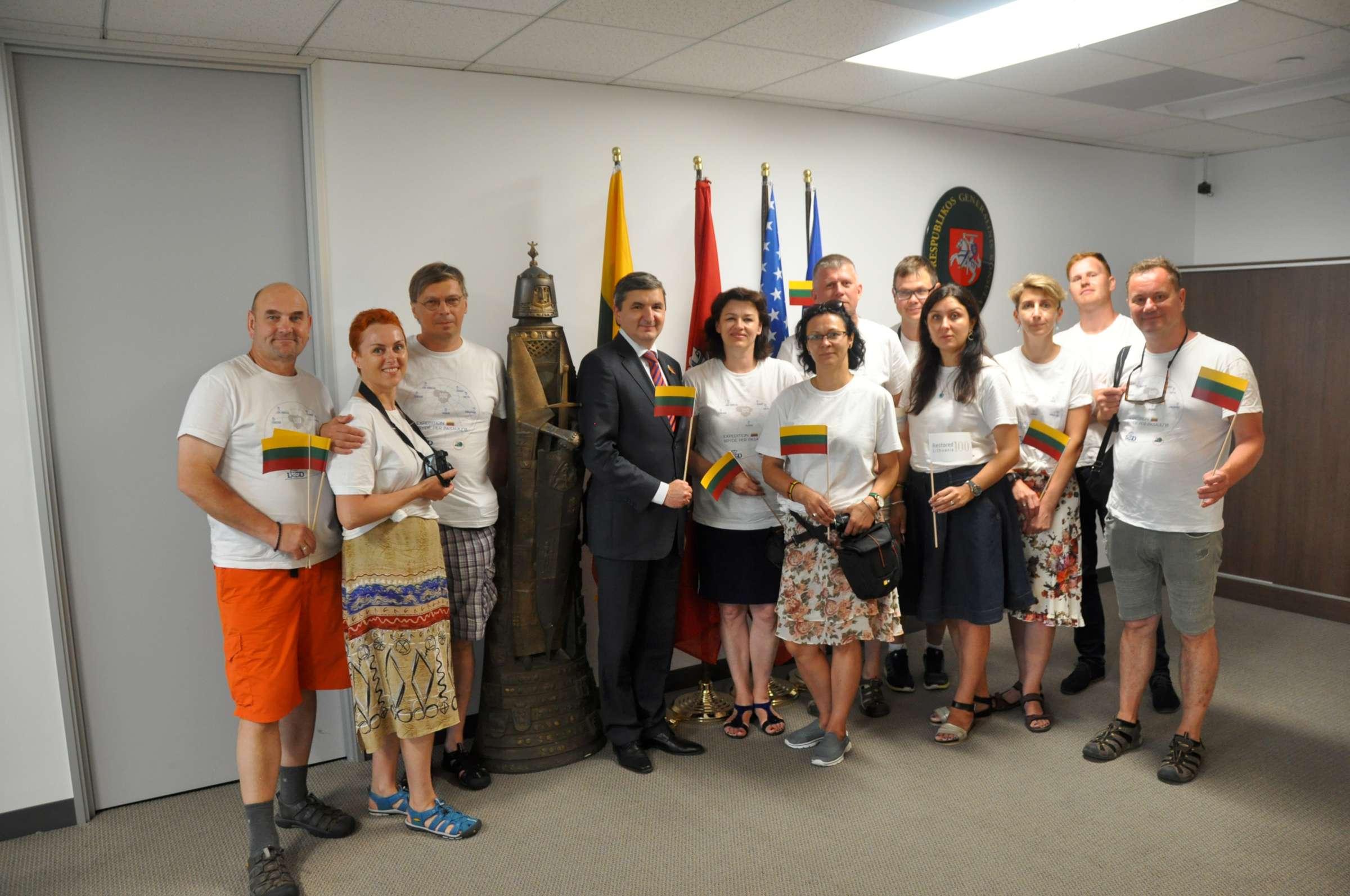 Los Angeles Lietuvos konsulate su Generaliniu konsulu Dariumi Gaidžiu-2400