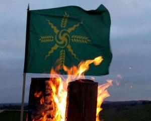 Amžinos ugnies sergėtojų vėliava. Vėliavos autorius Linas Zeniauskis | Ą. Bajor nuotr.