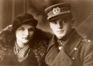 Kapitonas Jonas Noreika-Generolas Vėtra su būsima žmona Antanina Karpavičiūte | LGGRTC nuotr.