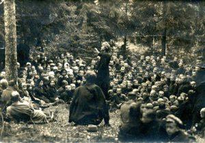 Vydūno paskaita Sarapiniškio miške | Autorius nežinomas. Rokiškio krašto muziejaus nuotr.