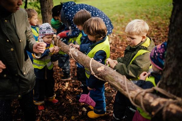 Kaip ugdyti, kad vaikas gamtoje jaustųsi saugus? | R. Gruodienės nuotr.