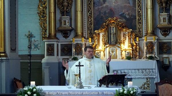 Kunigo Vytauto Mazirsko aukojamos šv. Mišios | A. Grigaitienės nuotr.