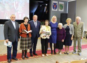 Knyga apie švietimą Pakaunės krašte keliauja į mokyklas   Kauno rajono savivaldybės nuotr.