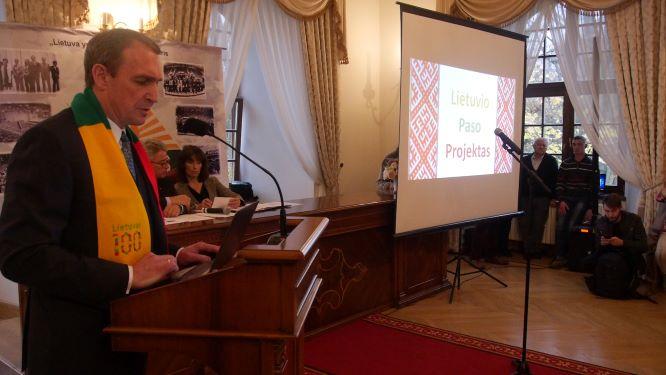 Raudondvaryje A.Juozaitis pristato programos metmenis | J.Vaiškūno nuotr.