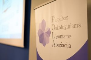 Pagalbos onkologiniams ligoniams asociacijos nariai klaus politikų, kada bus galima nebeduoti kyšių sveikatos sistemoje | POLA nuotr.