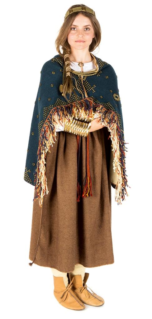 XII a. sėlių moters aprangos rekonstrukcija. Fotografas Reinis Olinšas   LNIM nuotr.