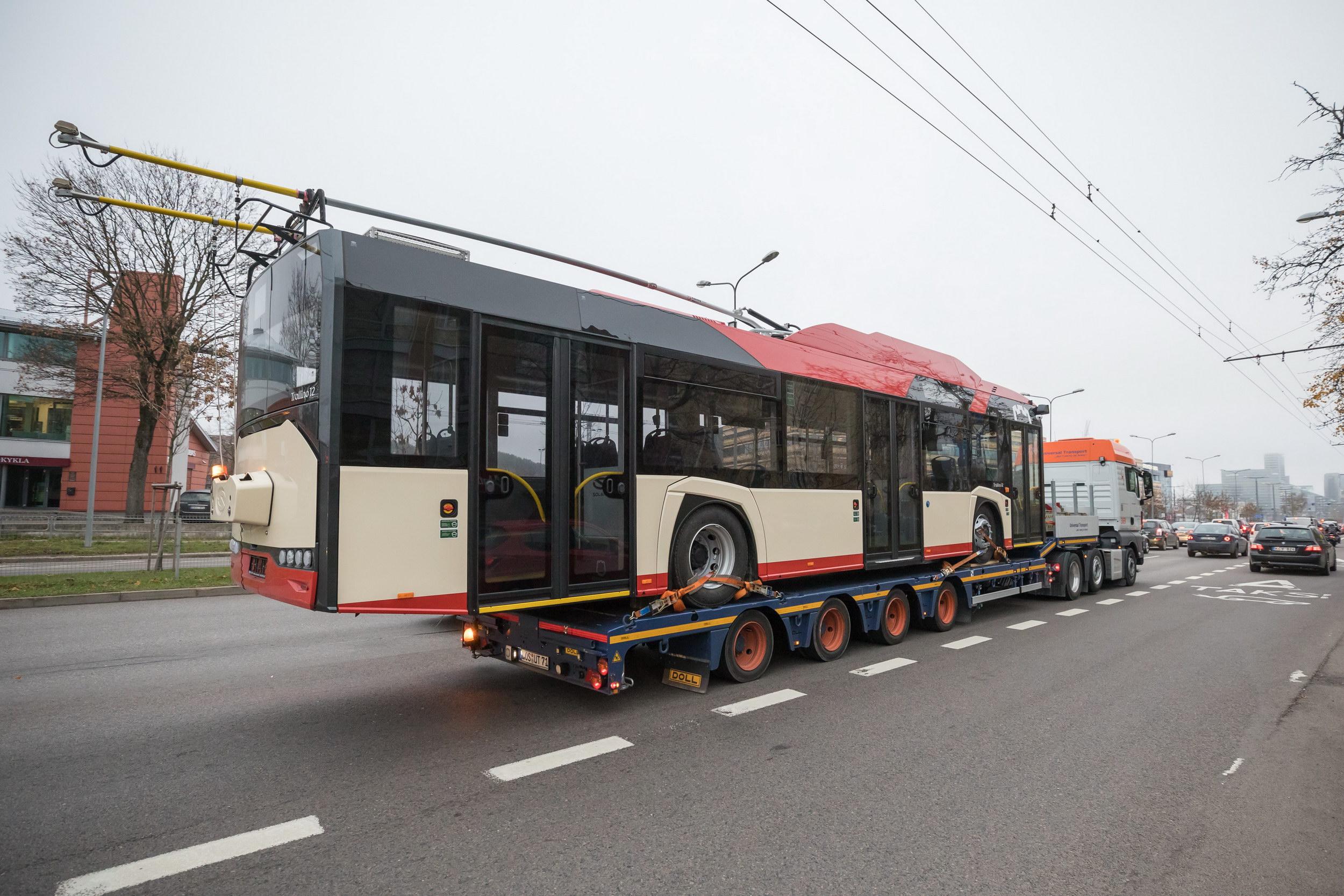 Naujieji troleibusai jau atvyksta į Vilnių – pamatykite pirmojo kelionę | S. Žiūros nuotr.
