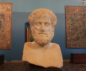 Aristotelio skulptūra | valdovurumai.lt nuotr.