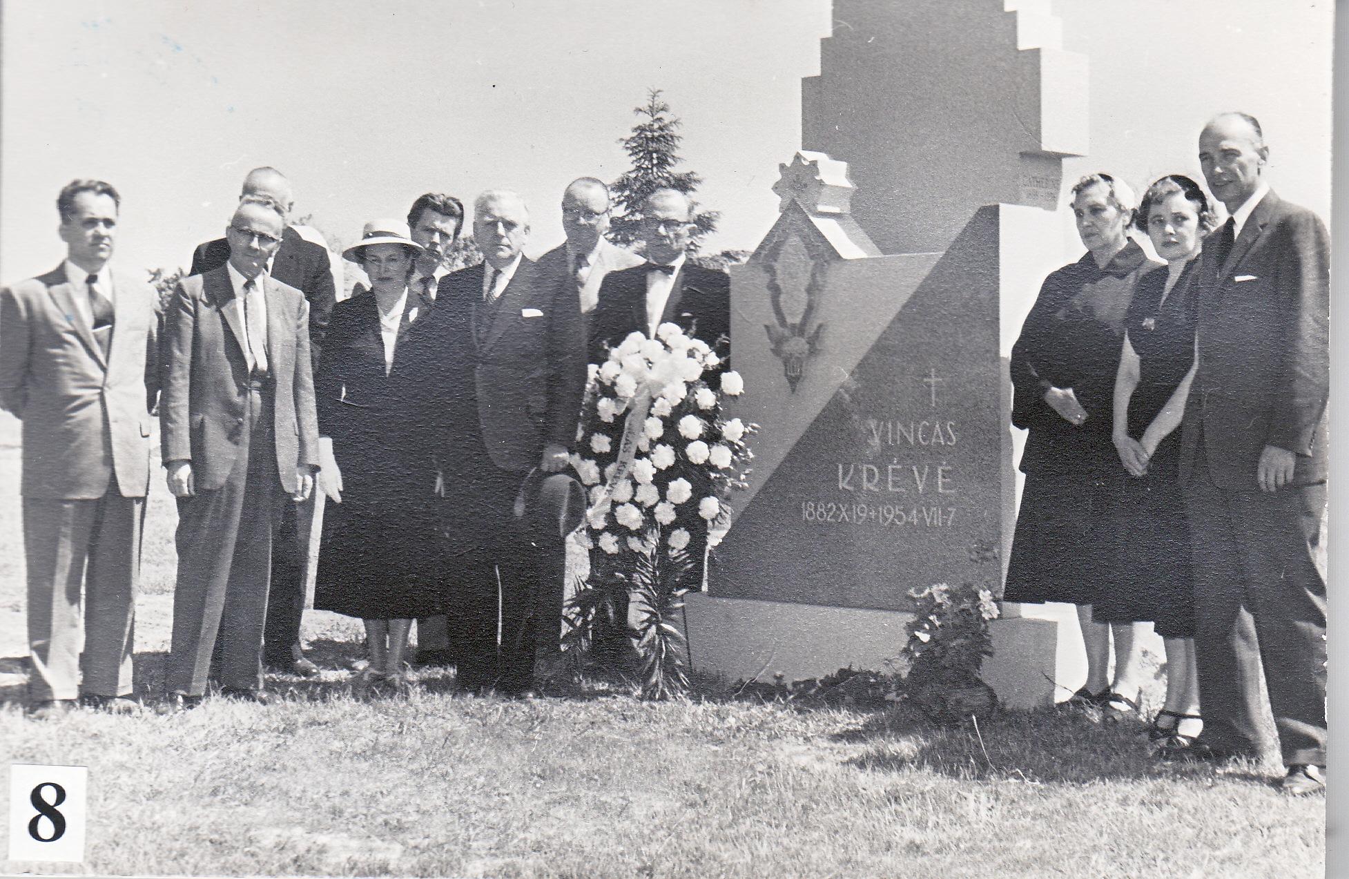 V. Krėvės mirties metinės, 1955 m., Filadelfija      V. Krėvės memorialinio muziejaus nuotr.